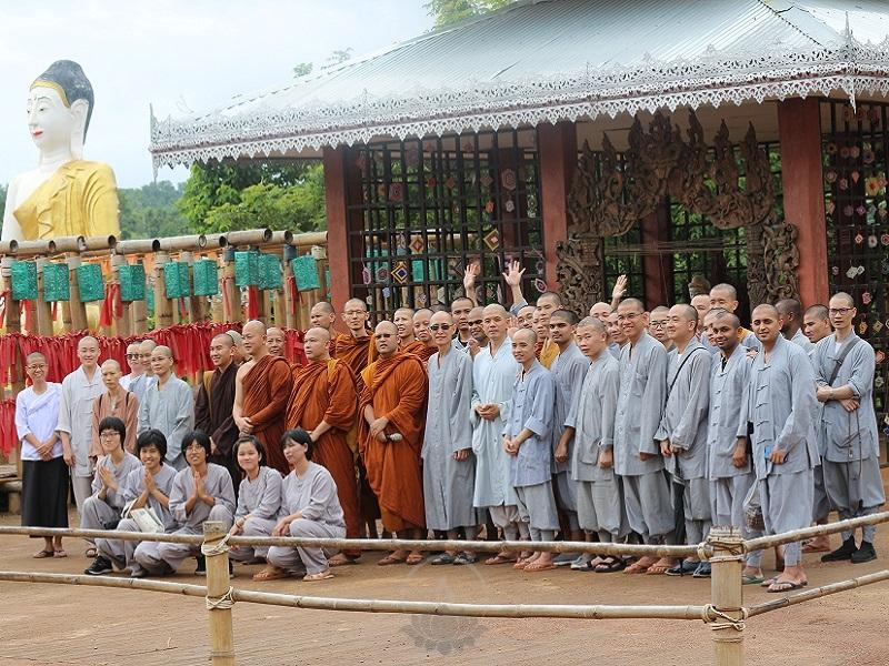 2019年新加坡佛学院禅修营在泰国举办