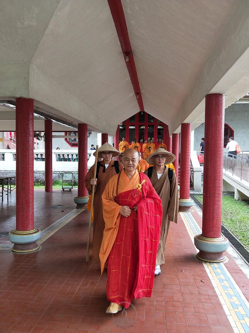 新加坡佛学院应届毕业僧发心行脚回国10